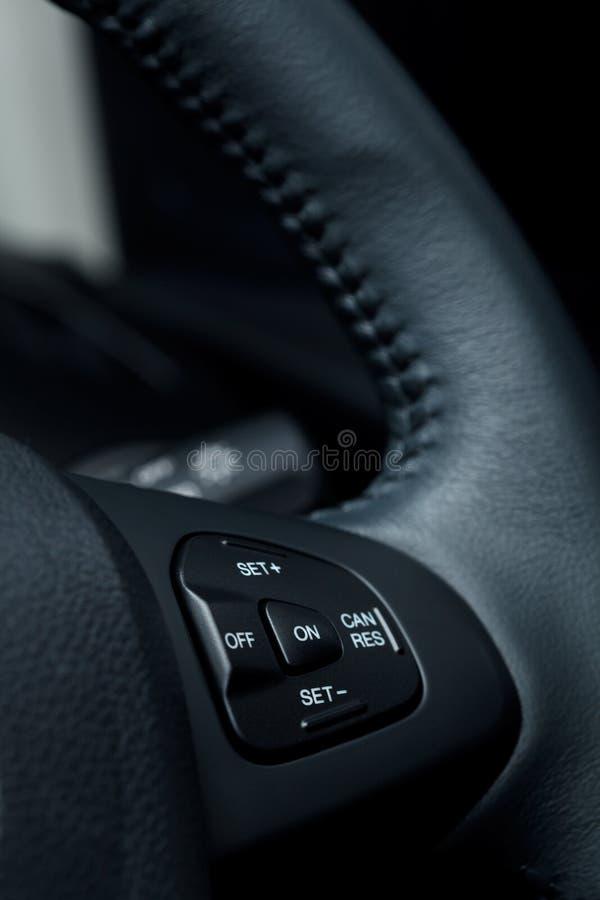 Gestisca i bottoni in automobile moderna fotografia stock libera da diritti