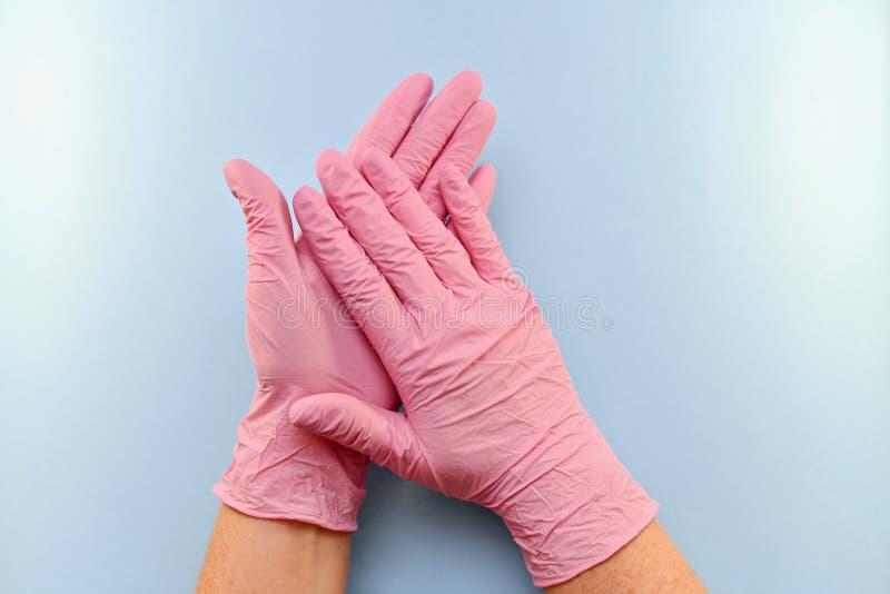 Gesto, focinho, com um polegar gloved acima foto de stock royalty free