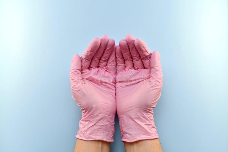 Gesto, focinho, com um polegar gloved acima fotos de stock royalty free