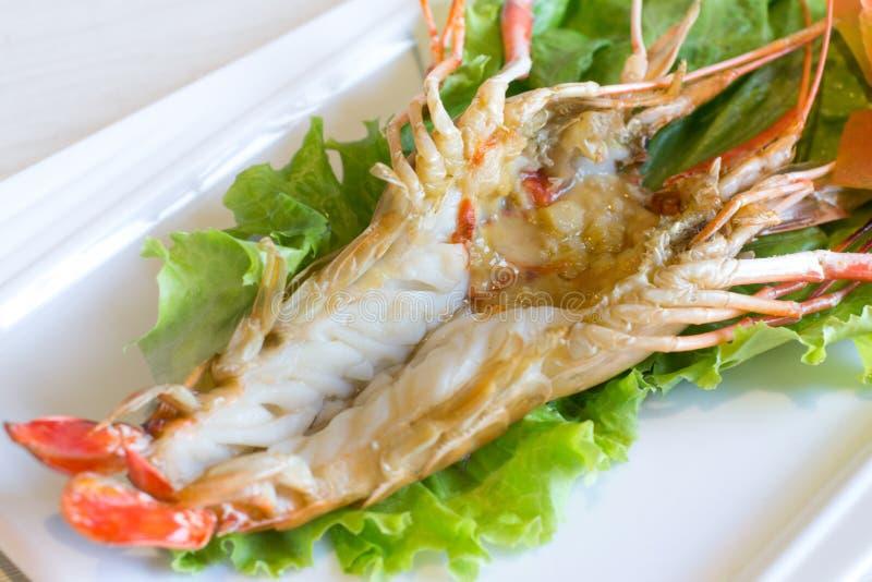 Gestoomde riviergarnalen, Gekookte rivier shrimpin stock foto's