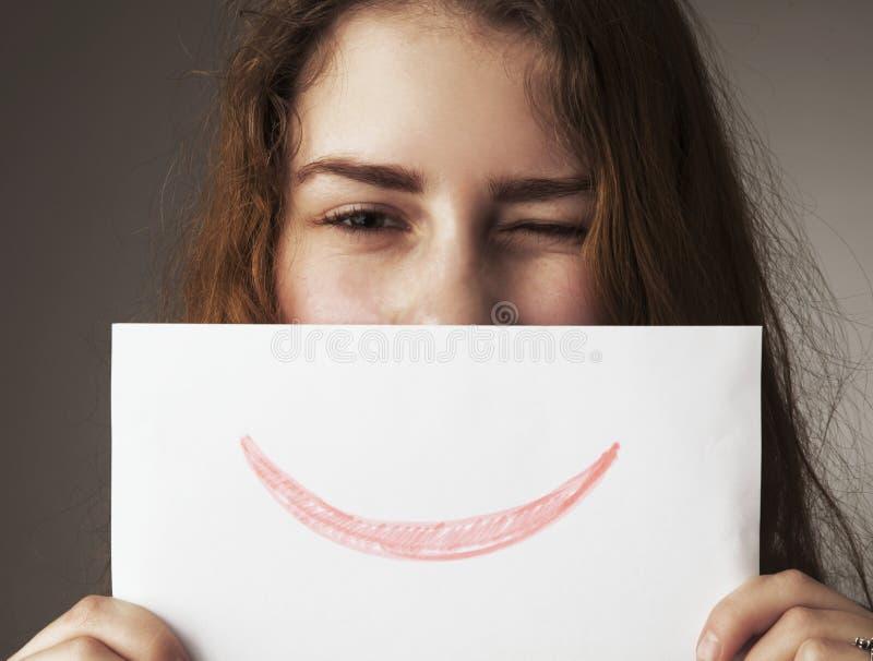 Gestos sonrientes de la mujer, lenguaje corporal, psicología fotos de archivo libres de regalías