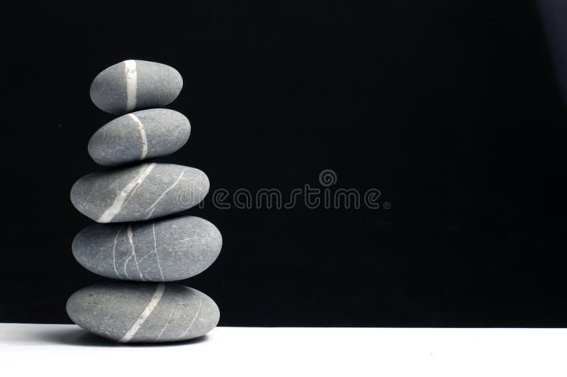 Gestreifte Steine der Natur stockfotos