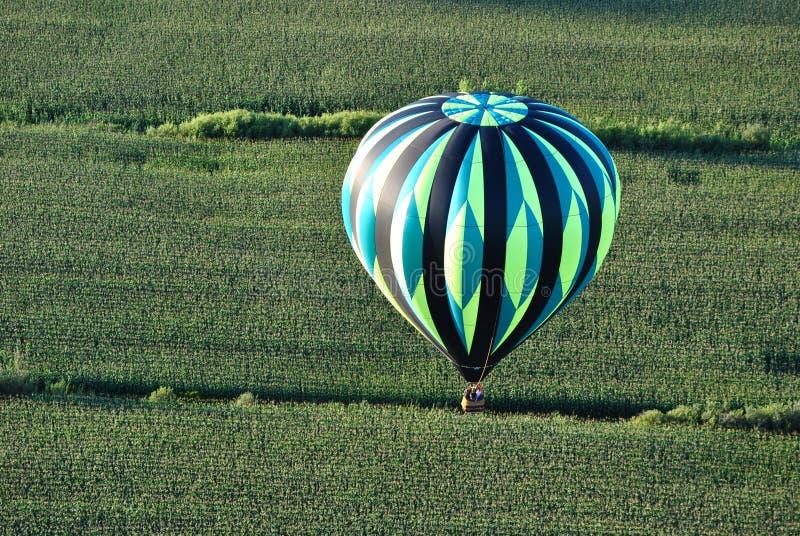 Gestreifter Ballon stockbild