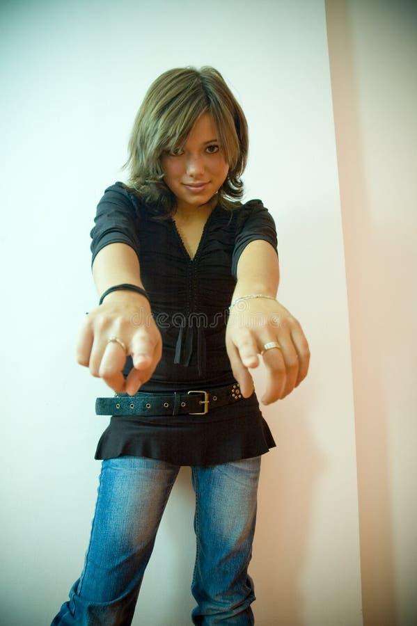 gesturing женщина стоковые фотографии rf