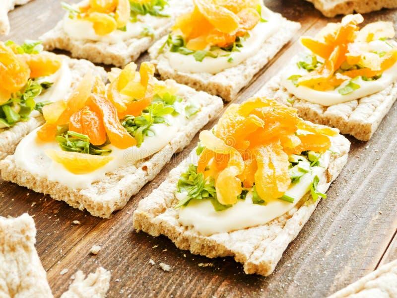 Gesunde Brotsnäcke lizenzfreies stockbild