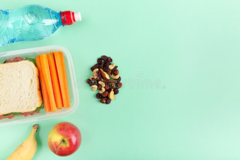 Gesunde Ernährung ein Sandwich im Lunchbox lizenzfreie stockfotografie