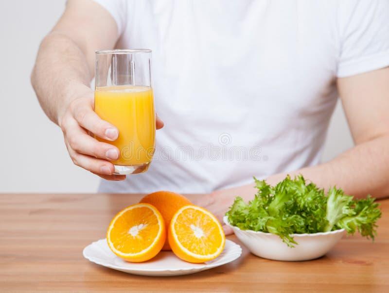 Gesunde Ernährung für Mann stockfoto