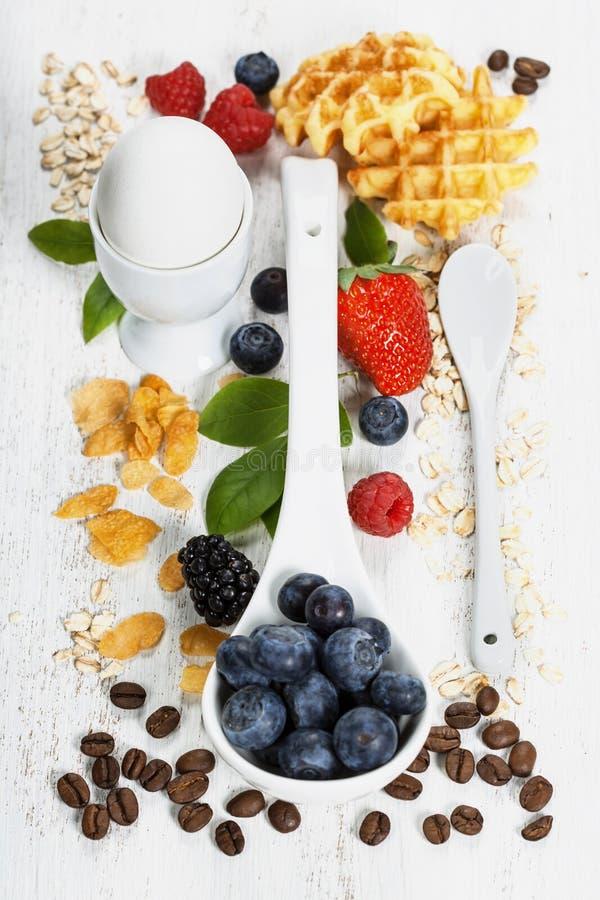 Gesunde Flocke, Beeren und Kaffee BreakfastOat Gesundheit und Diät stockfoto