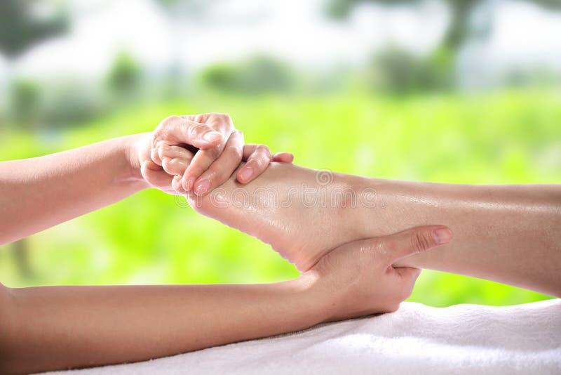 Gesunde Fußmassage lizenzfreie stockbilder