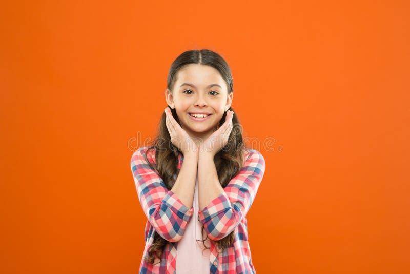 Gesunde Haut Sch?nheitskosmetik f?r Kinder Perfekte Gesichtssorgfalt und -Hautpflege Kosmetik und Hygiene Kosmetik f?r Kinder stockbild