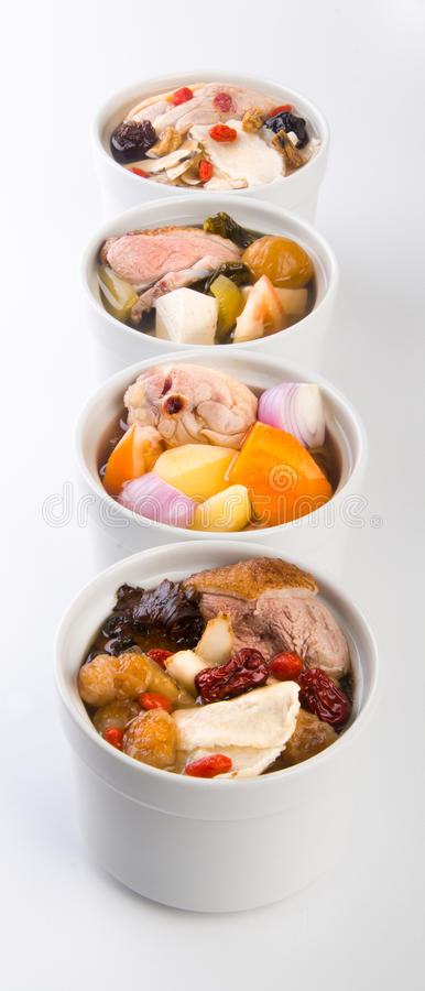 Gesunde Krautsuppe in der chinesischen Art des Potenziometers. lizenzfreie stockbilder