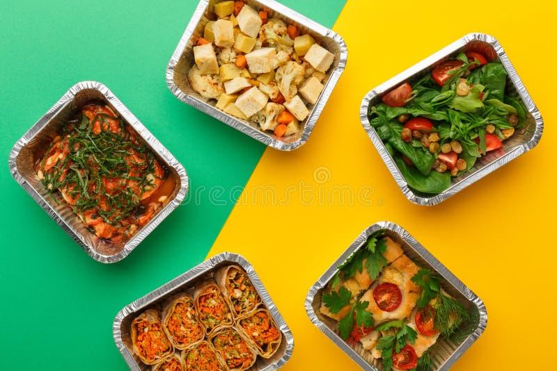 Gesunde Mahlzeitlieferung Rechtes Konzept essend, kopieren Sie Raum, Draufsicht lizenzfreie stockfotografie