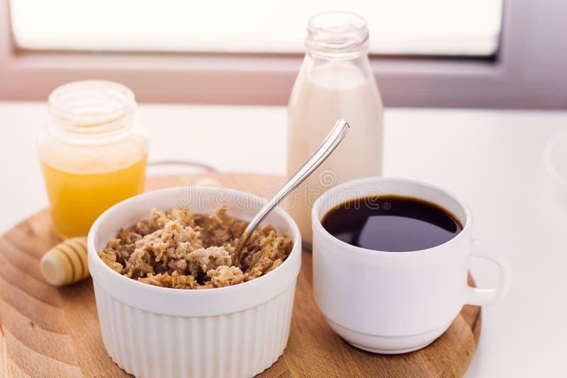 Gesunde Nahrungsmittel für breakfas lizenzfreies stockfoto