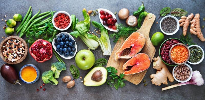 Gesunde Nahrungsmittelauswahl stockbild
