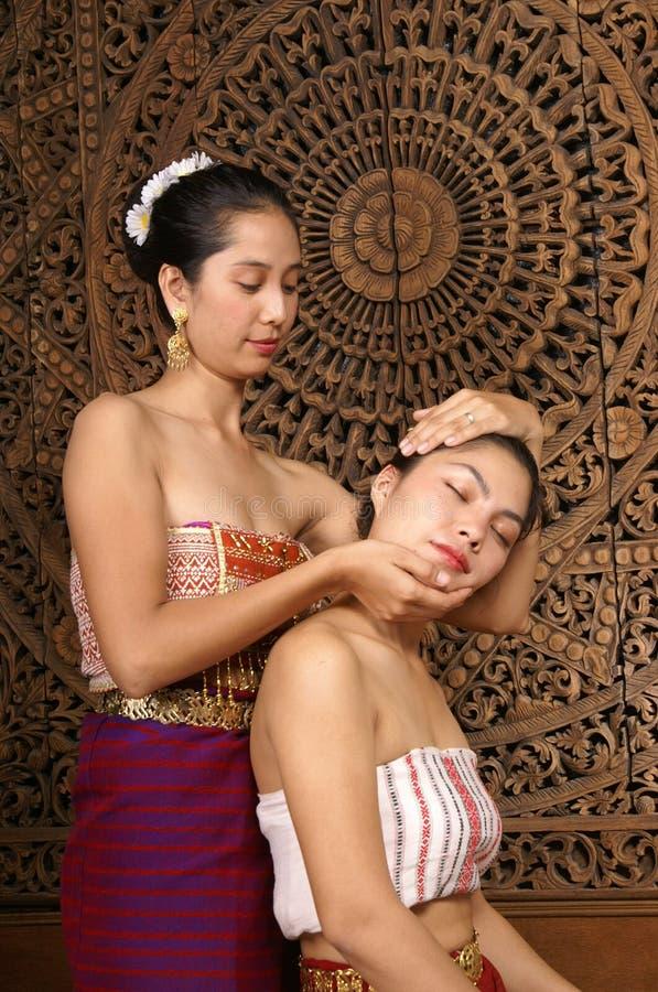 Gesunde siamesische Massage stockfoto