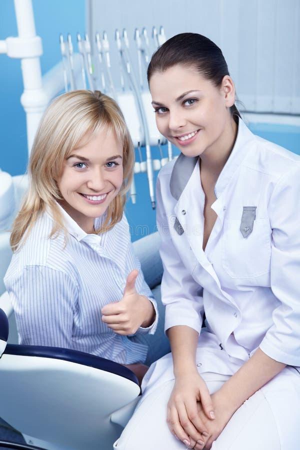 Gesunder glücklicher Patient lizenzfreies stockfoto
