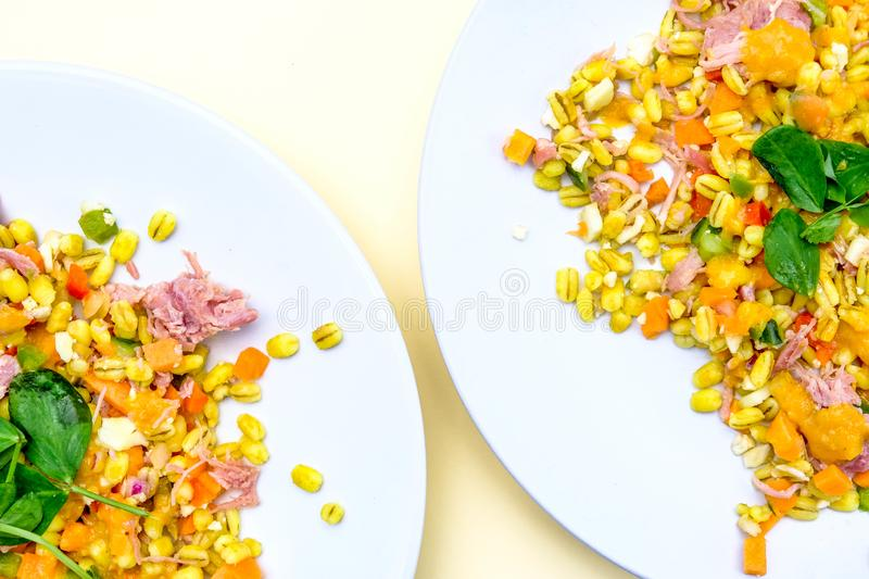 Gesunder Ham Hock Summer Salad stockfotos