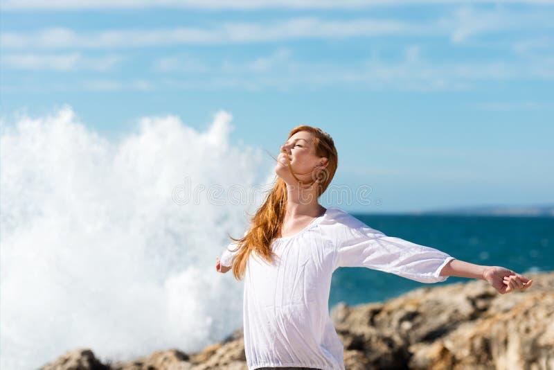 Gesunder Lebensstil in dem Meer stockbilder
