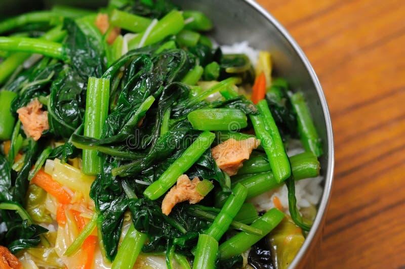 Gesunder vegetarischer Teller stockbilder