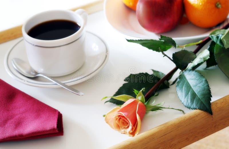 Gesundes Frühstück auf Tellersegment lizenzfreies stockfoto