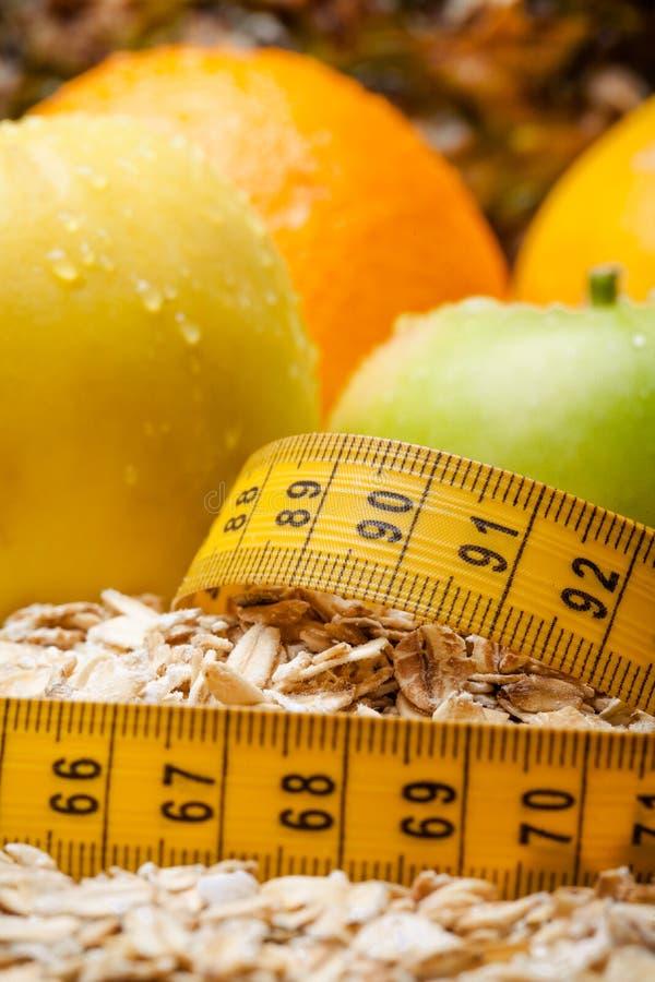 Gesundes Lebensmittel, frische organische Früchte in der Diät Richtige Nahrung entziehen Sie Hintergrund stockfotografie