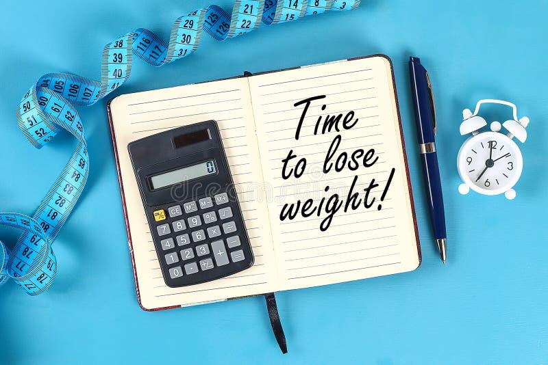 Gesundes Lebensstilkonzept mit Notizblock Gewichtsverlust oder Diätkonzept stock abbildung