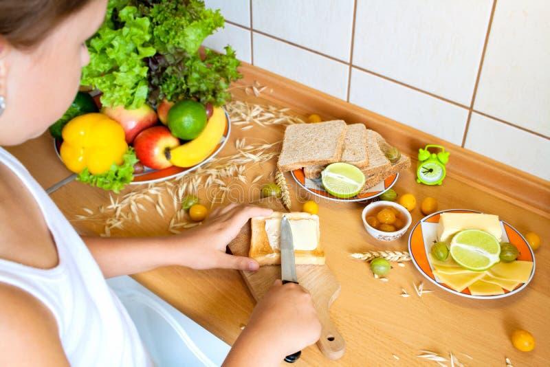 Gesundes vegetarisches Sandwich Selbst gemachtes Sandwich mit Käse zum Frühstück stockbilder