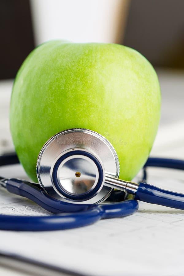 Gesundheitsleben und Konzept des gesunden Lebensmittels stockfoto