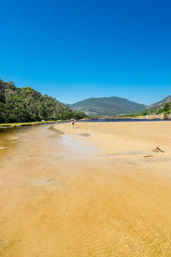 Getijderivier in de zuidelijke sectie van Wilsons-Voorgebergte Nationaal Park in Gippsland, Australië stock afbeelding