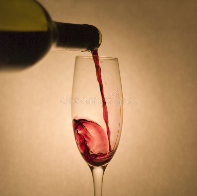 Getränk: Rotwein lizenzfreies stockbild
