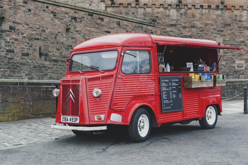 Getränk und Snäcke, die Packwagen an der Esplanade vor Gatehouse, der Haupteingang zu Edinburgh-Schloss, Schottland, Großbritanni lizenzfreies stockbild