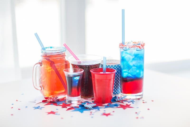 Getränke Auf Amerikanischer Unabhängigkeitstagpartei Stockbild ...