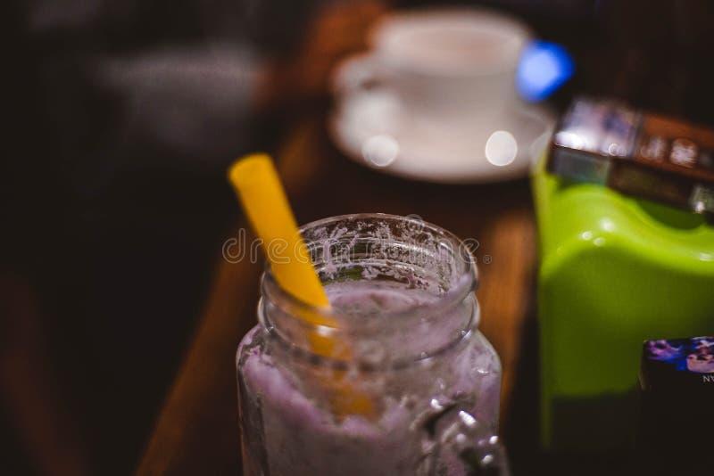 Getränke, die heraus gelaufen sind stockbilder