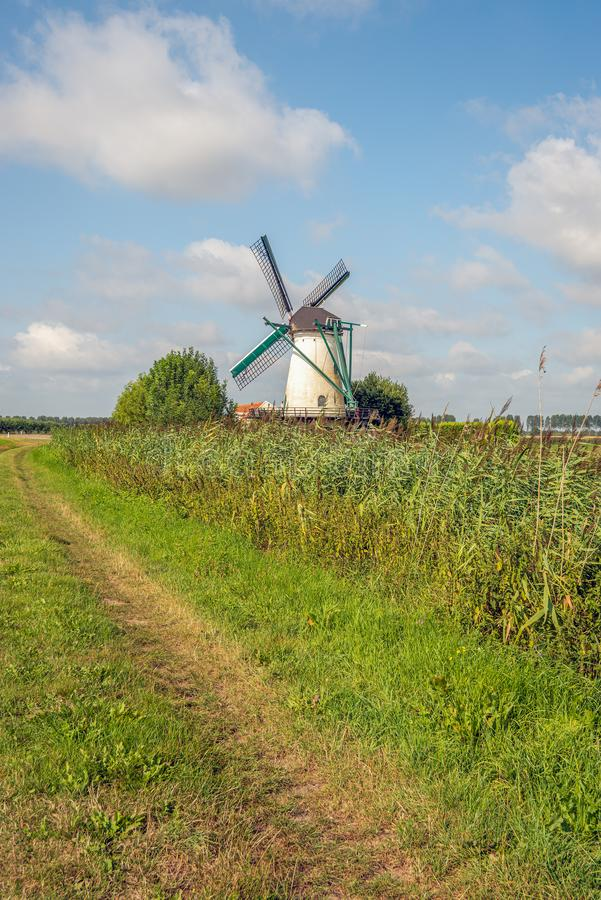 Getreidemühle De Jager in Oud-Vossemeer lizenzfreie stockfotografie