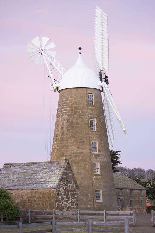 Getreidemühlemuseum des Sonnenuntergangs historisches bei Oatlands Tasmanien lizenzfreie stockbilder