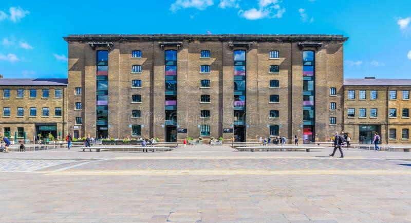 Getreidespeicher-Quadrat und Hochschulkunst von London stockfotos