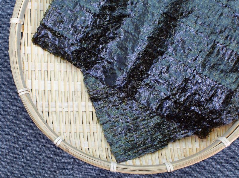 Getrocknete Meerespflanze, nori stockfoto