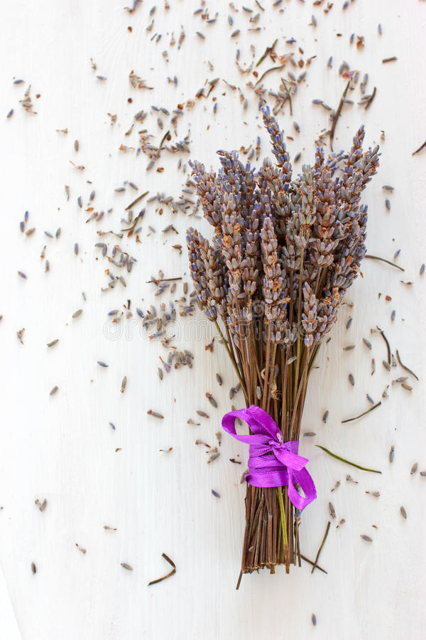 Getrockneter Lavendelblumenstrauß lizenzfreie stockfotografie