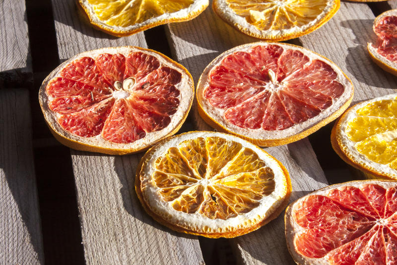 Getrocknetes Blut, Traube und Orange lizenzfreie stockbilder