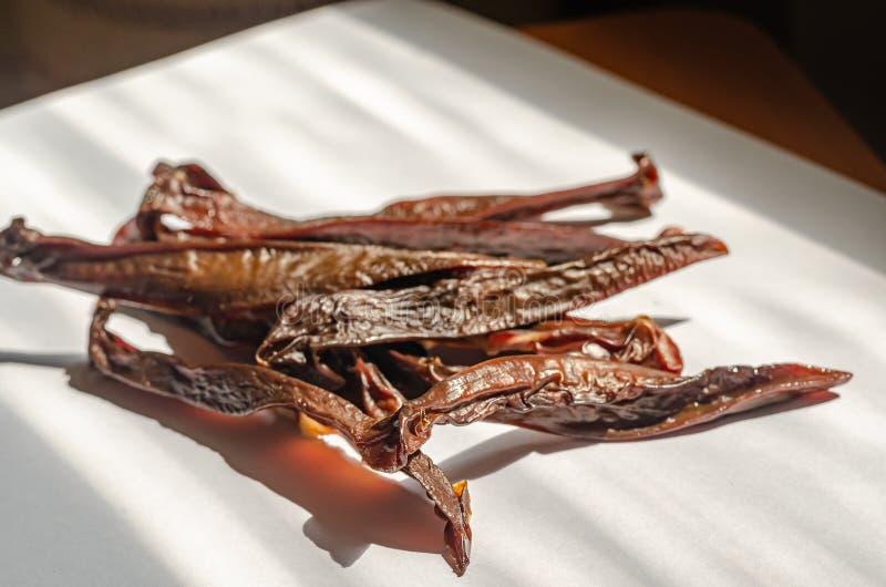 Getrocknetes geräuchertes stoßartiges Schweinefleischnieren Fleisch haftet Zartheit Makro Weicher vorgew?hlter Fokus lizenzfreie stockbilder
