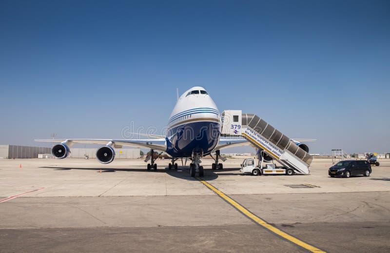 Getto privato reattivo, landet nell'aeroporto internazionale di Ben Gurion fotografia stock