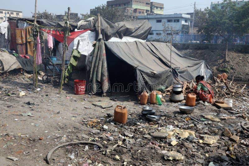 Getto und Elendsviertel in Kolkata lizenzfreie stockbilder