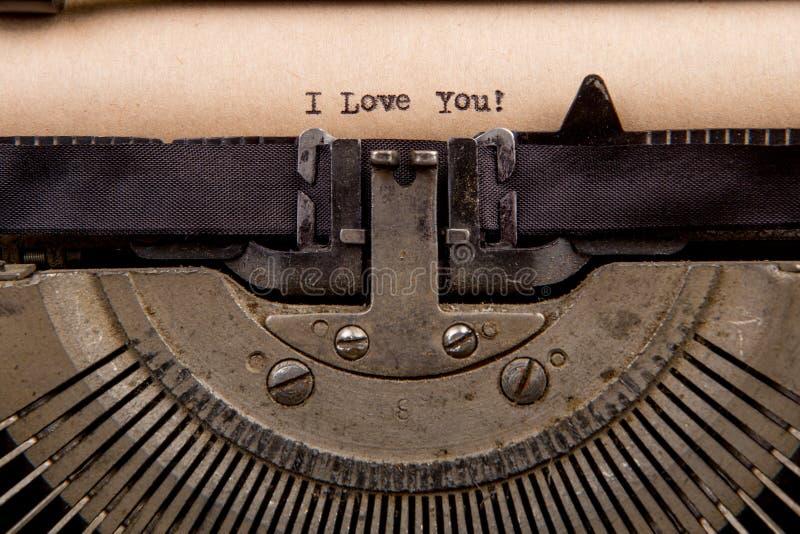 getypte woorden op een Uitstekende Schrijfmachine royalty-vrije stock foto