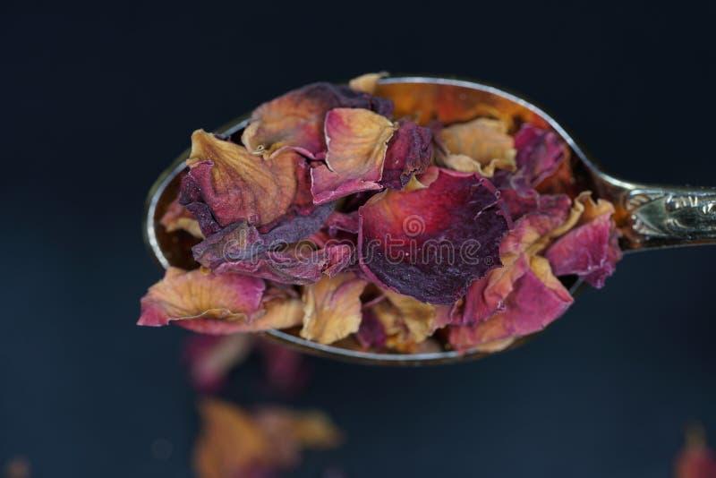 Geurige harz wordt gewoonlijk aangeboden in zijn harsvorm en kan gerookte uitstekend zijn royalty-vrije stock foto's