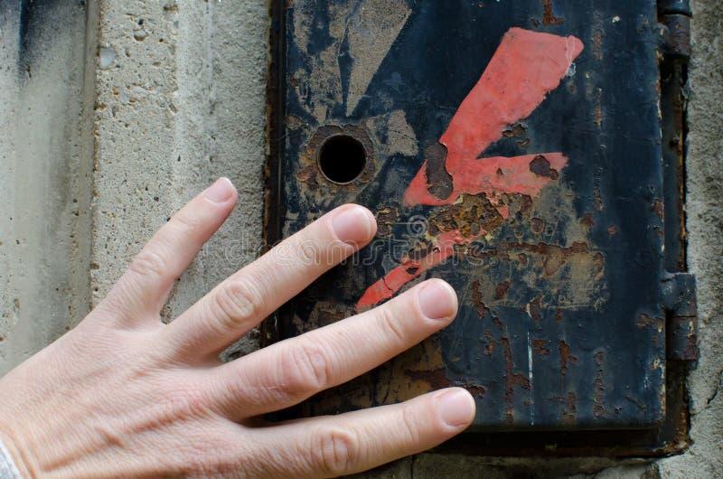 Gevaars Elektriciteitsgevaar stock foto's