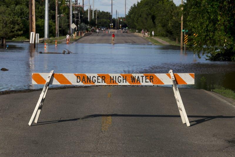 Gevaarshoogwater Overstroming stock foto