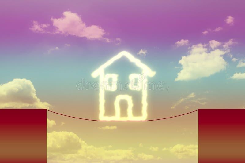 Gevaren en valkuilen over gebouwen - conceptenbeeld met huis op een ravijn wordt opgeschort dat royalty-vrije stock afbeeldingen