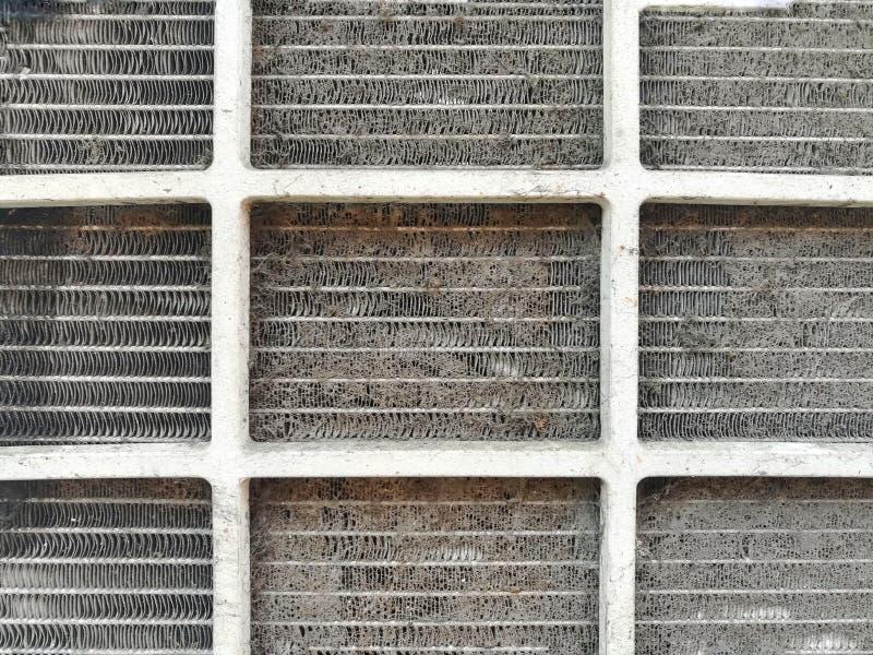 Gevaren van een Vuile Airconditionerfilter stock foto