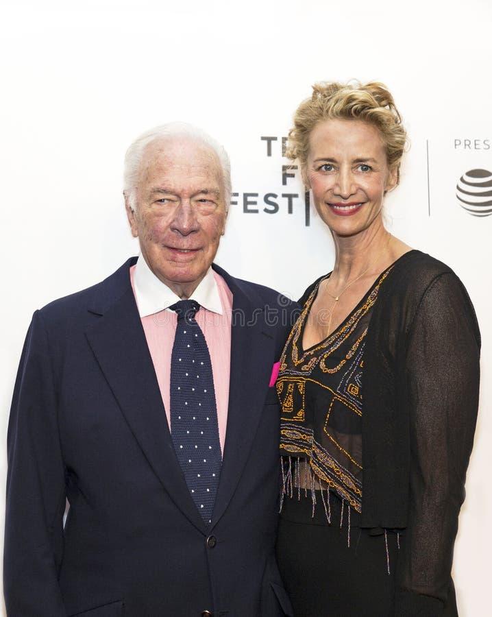 Gevierde Britse Actoren Christopher Plummer en Janet McTeer bij de de Filmpremière van Tribeca van 2017 van ` de Uitzondering ` stock fotografie