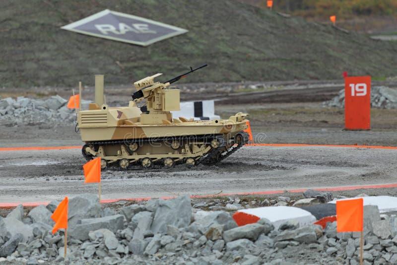 Gevolgd robotmachinegeweer royalty-vrije stock foto